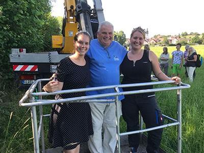 Udo Seum mit den Naturschutzköniginnen Elen und Nora