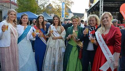 Stadtfest in Homberg: Feiern im Zeichen des Apfels